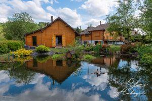 Chalet à Le menil pour  6 •   vue sur lac   n°67205