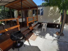 Mobile home in Entraigues for   4 •   animals accepted (dog, pet...)
