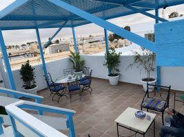 Gite à Houmt souk pour  12 •   avec terrasse   n°67498