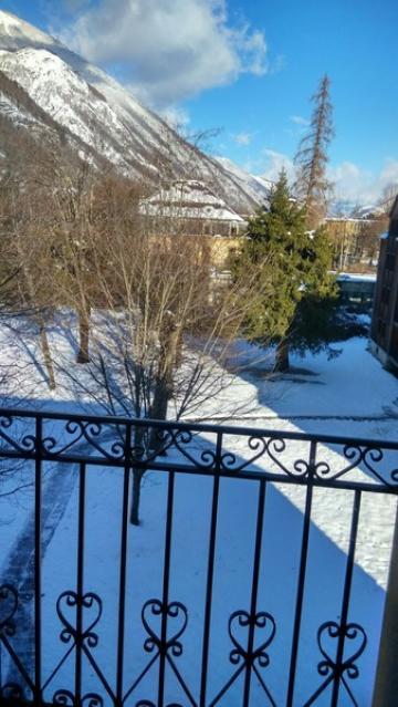 Appartement à Luchon pour  4 •   parking privé