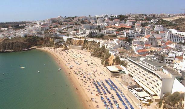 Flat in Albufeira - algarve for   4 •   view on sea