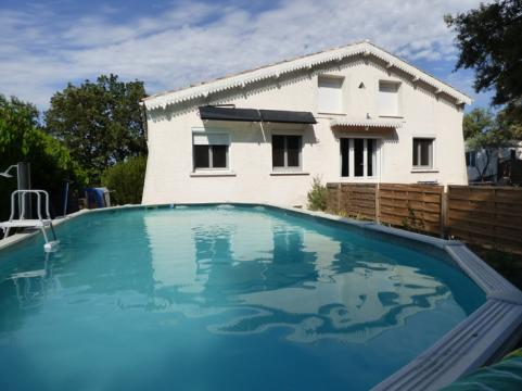 House in Courthezon for   5 •   animals accepted (dog, pet...)