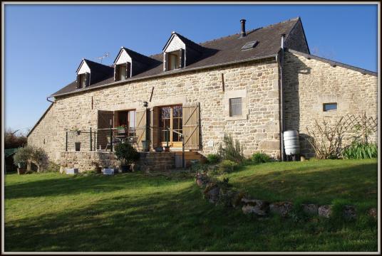 Huis in Le croisty voor  8 •   4 slaapkamers