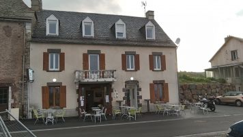 Bed and Breakfast in Anzat-le-luguet voor  2 •   tuin