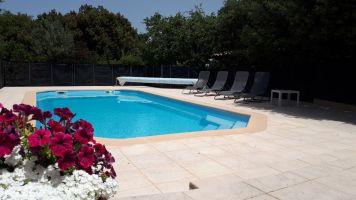 Gite à St maximin la ste baume pour  3 •   avec piscine privée