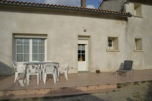 House in Jazennes for   7 •   animals accepted (dog, pet...)