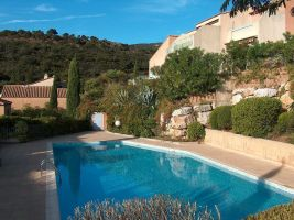 Flat Cavalaire Sur Mer - 4 people - holiday home