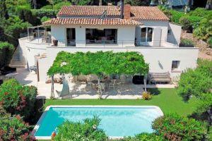 Huis in Sainte maxime voor  10 •   hoog luxe niveau