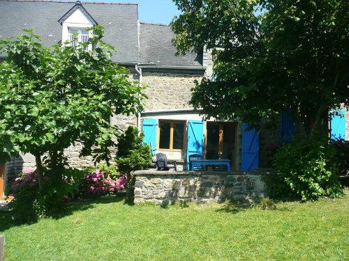 Gite à Roz sur couesnon pour  15 •   avec terrasse