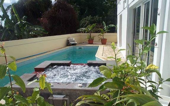 Gite bois de n fles st paul louer pour 5 personnes - Maison moderne avec jardin saint paul ...
