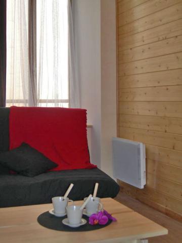 appartement ax les thermes louer pour 7 personnes location n 19660. Black Bedroom Furniture Sets. Home Design Ideas