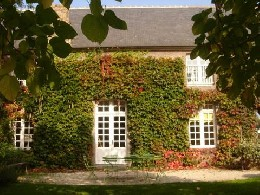 Gite 12 people Saint-coulomb - holiday home  #19085