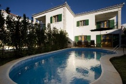 House in Hvar for   8 •   with private pool   #19786