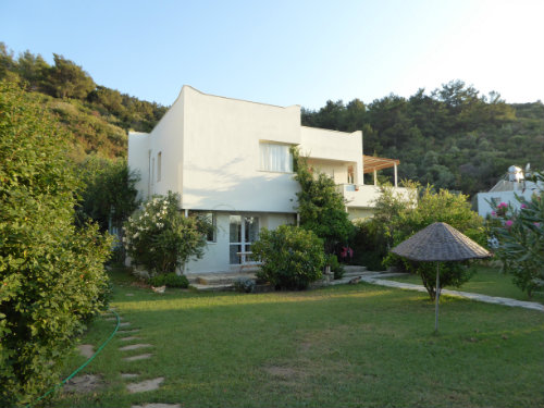 Maison à Guzelcamli, kusadasi pour  6 •   vue sur mer