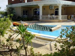 House in Alexandria for   8 •   with private pool