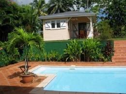 Gite à Sainte rose pour  4 •   avec piscine privée