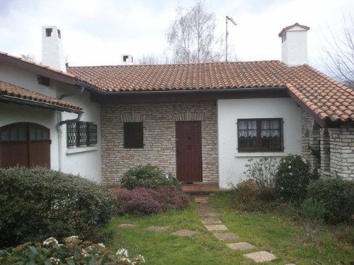 Maison à Arès pour  9 •   3 chambres