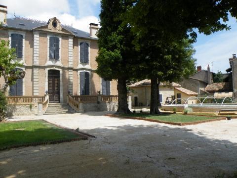Château Septfonds - 17 personnes - location vacances  n°21540