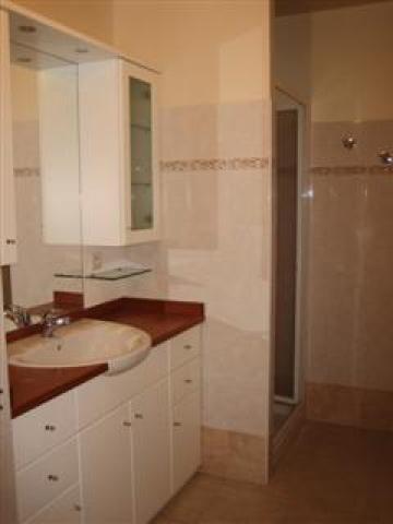 studio menton louer pour 3 personnes location n 21571. Black Bedroom Furniture Sets. Home Design Ideas