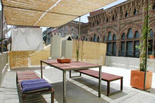 maison barcelone louer pour 6 personnes location n 21617. Black Bedroom Furniture Sets. Home Design Ideas