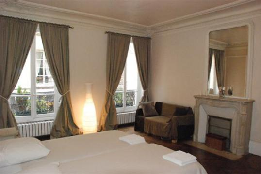 Flat in Paris - Vacation, holiday rental ad # 21872 Picture #2