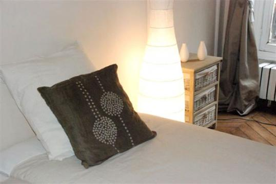 Flat in paris - Vacation, holiday rental ad # 21872 Picture #3