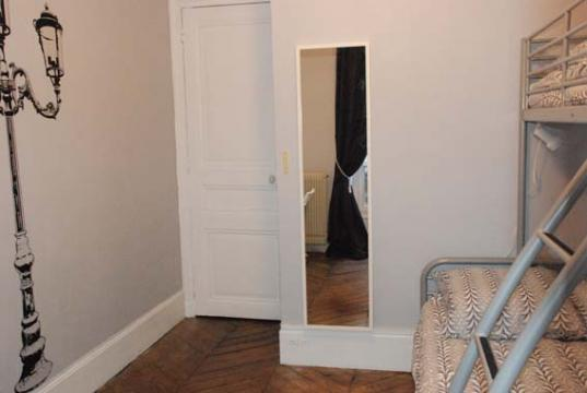 Flat in paris - Vacation, holiday rental ad # 21872 Picture #5