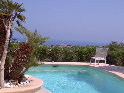 Maison à Sainte maxime pour  6 •   avec piscine privée