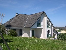 House in Oloron sainte marie for   8 •   private parking   #21187