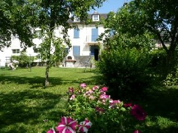 Gite in Asasp arros for   7 •   with balcony   #21749