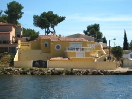 House in St mitre les remparts for   6 •   view on lake